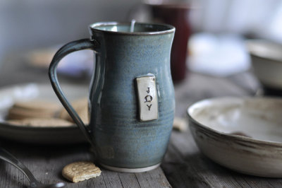 kiyoaki:  (vía Blue Joy Coffee Mug by JustWork on Etsy)
