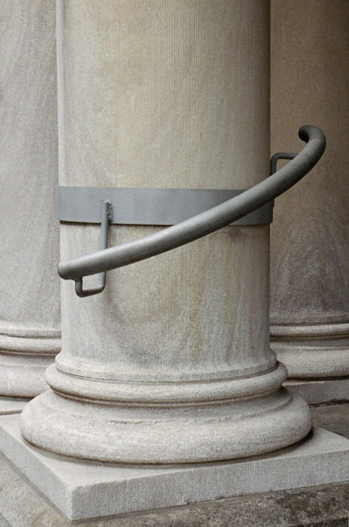 Column and handrail by Aurélien Arbet
