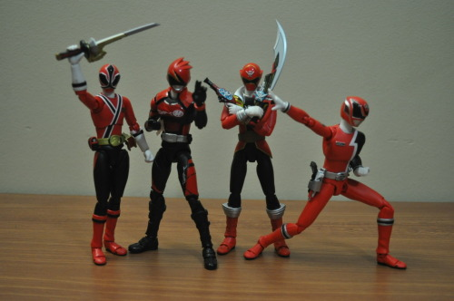 nobodyxaldyn:  Akagi begged the red senshi to allow him to pose with them, even though he is unofficial.  All the great Reds (minus Bouken who should be in there!) together~