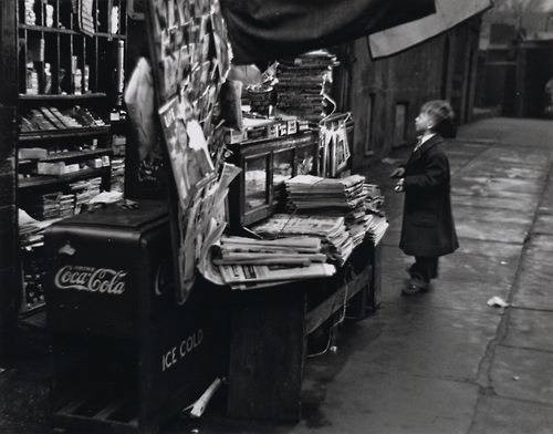 teachingliteracy:  roloblog: Andre Kertesz - a photo from his portfolio 'On Reading'