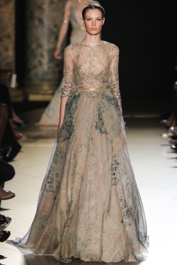 thefashionatelier:  Elie Saab Haute Couture Autumn/Winter 2012/2013  So beautifull dress ! But why models don't smile ???? Pfffff….
