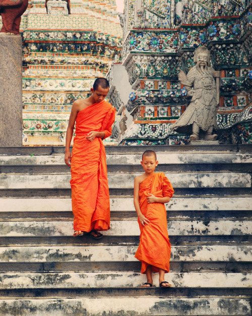 fuckyeahthaiculture:  Children of the temple (by Irene2005)