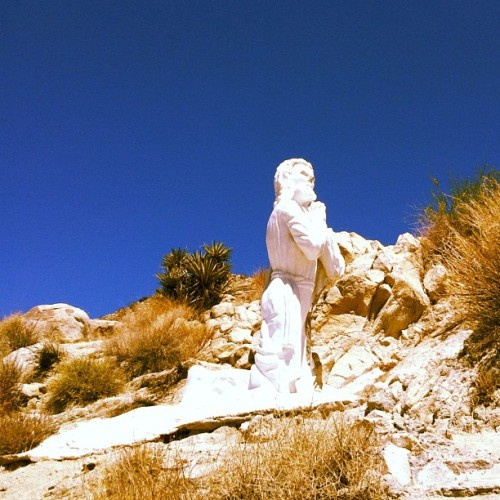 #desertchristpark #jesus #art #california #california #desert #yuccavalley  (Taken with Instagram)