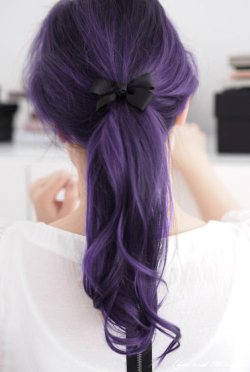coolcatzbro:  this colour hair is necessary  in my life