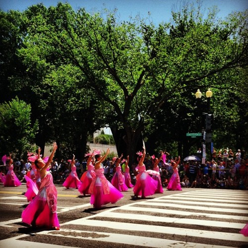 Pink. #dc #washington #july4th #asia #pink #parade #dress  (Taken with Instagram)