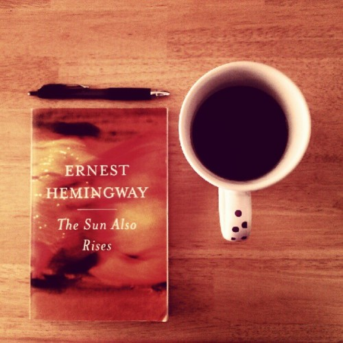 Good book, good coffee. (Taken with Instagram at Casa de Caprara)