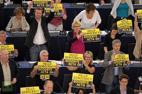 vagal-jr:  Hello Democracy, Goodbya ACTA! Yeah EU! European Parliament votes 478 against and 39 in favor, 165 abstentions!