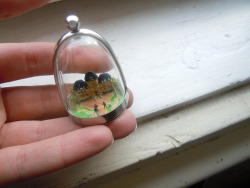domobird:  csaj1hedgehog:  pocket Moulinsart. dammit. friggin cute, want one <333333   I want the person who made this to make more.