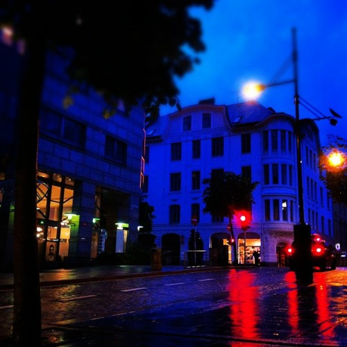 #bergen #olavkyrresgate #night #redlight #street #norway #rain #scary (Taken with Instagram)