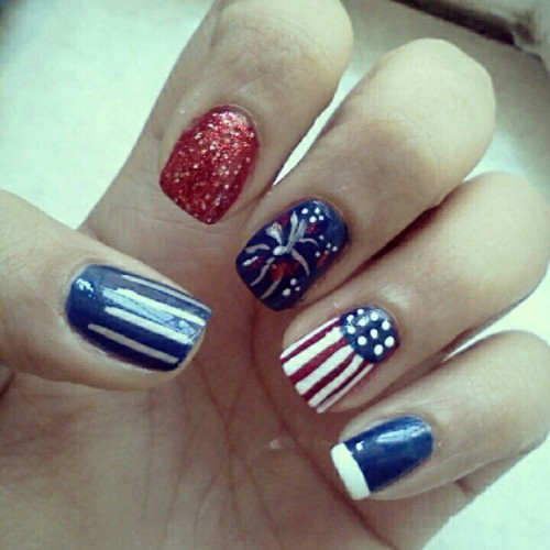 Happy 4th of July! #manicure #nailart #nailartaddict #nails #MAC #ChinaGlaze #design #fashion #beauty #redwhiteandblue #instanails #instagood #IndepenceDay #4thofJuly #stripes #glitter (Taken with Instagram)