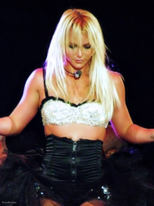 48/100 pictures of Britney Spears