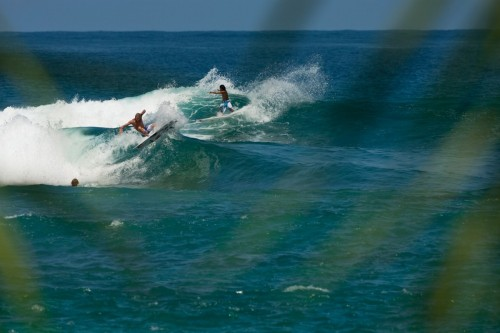 surfsensation:  koa garut and owen, shredding alone