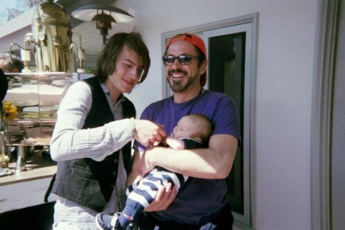 susan-robert-indio-exton-downey:  Indio, Robert and Exton Downey. Exton is already a heart breaker.