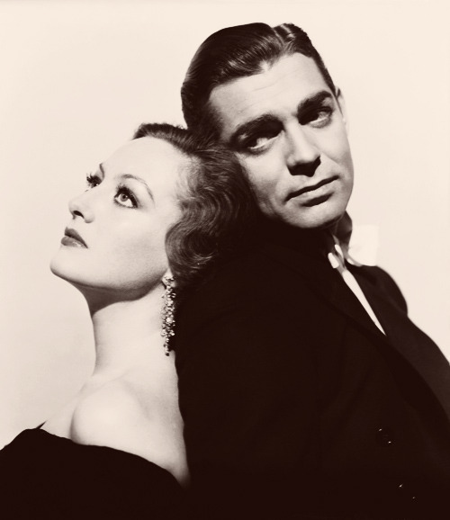 oldmixtapes:  Joan Crawford and Clark Gable in Possessed (1931)