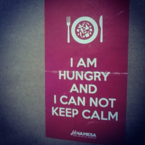 gomme:  I am so #hungry #keepcalm #youpix  (Publicado com o Instagram)
