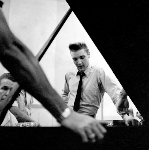 elizabitchtaylor:  Elvis Presley at the RCA recording studios in Nashville, 1958