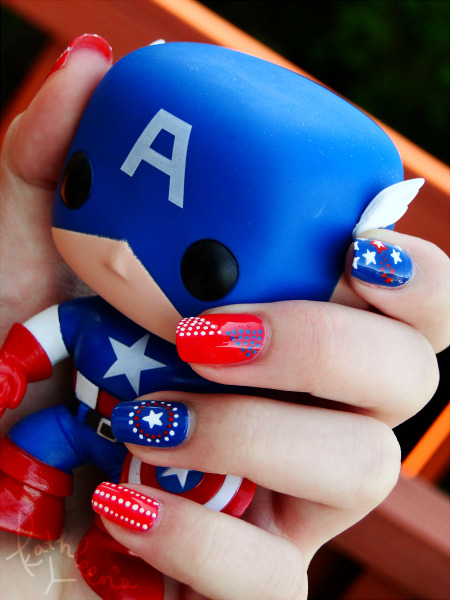 nailfood:  Captain America is my fave Avenger!