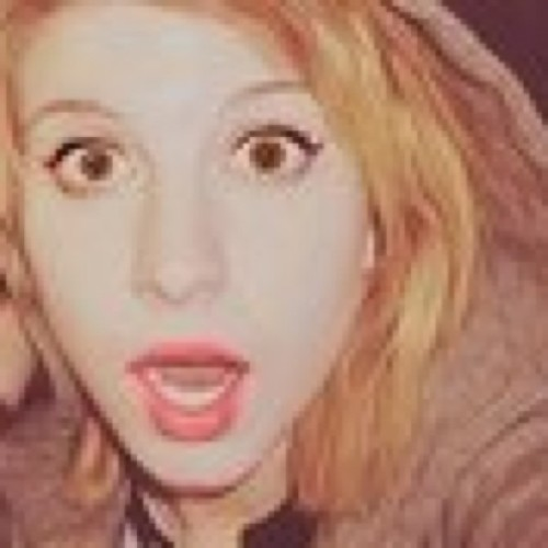 Blog 7. Hayley is my Dream Girl she is soooooooo freakin BEAUTIFUL :D