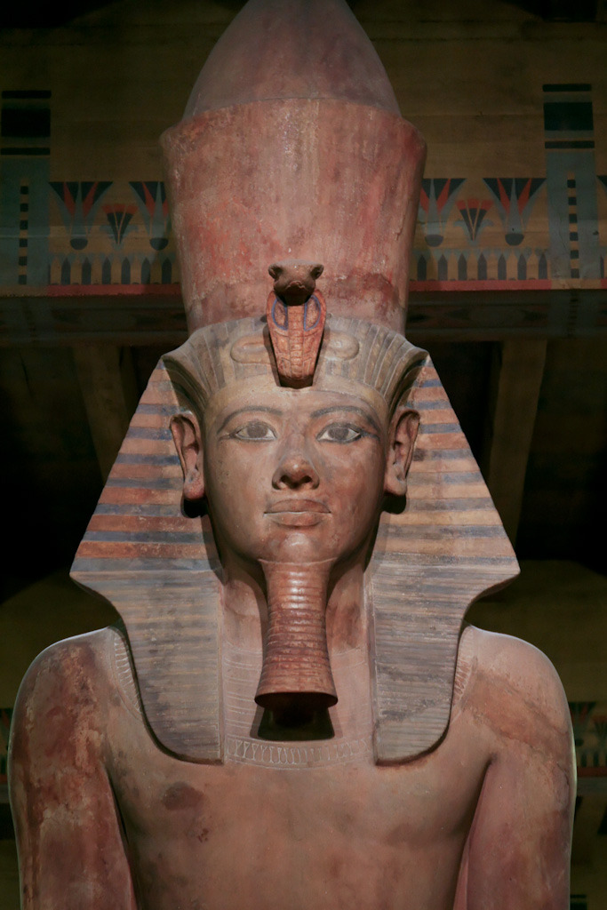Ancient Egyptian statue of Tutankhamun at the Oriental Institute, Chicago