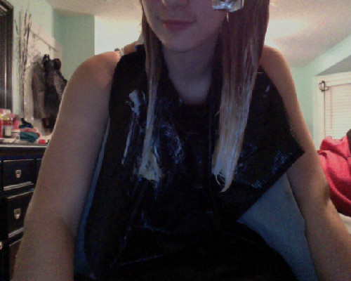 red to blonde ombre.  work in progressss ;3