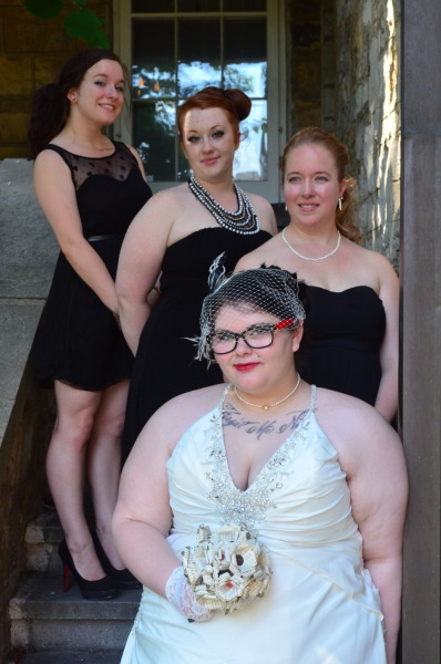 sparklebuttz:  The bridesmaids and the bride!