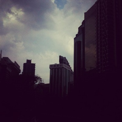 Cloudy oh cloudy #kl #clouds #rain #iphoneography #experimental (Taken with Instagram)