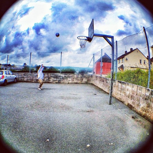Not the #nba #bball #basketball #igers #igmood #igdaily #igtalent #instagood #instamood #instadaily #igdaily #instatalent #instagramers #instagramhub #iphoneography #igtalent #picparade #photoparade #photooftheday #jj #jjforum #follow #falmouth #followme #followback #clouds #cloudporn #sky #cornwall # (Taken with Instagram)