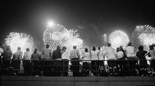 nighswander:  Fireworks, New York City, 1999, from 'Welcome to New York: A Visitor's Guide'