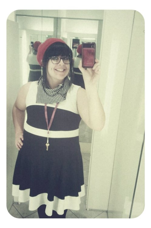 chubby-bunnies:  I dig my arms, and I finally found my vintage houndstooth scarf/neckerchief and was bored at work…so wa-lah…this. Roxi x