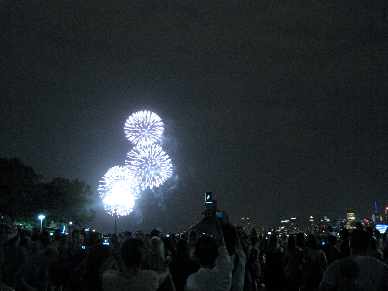 NYC fireworks (as seen from Hoboken, NJ)