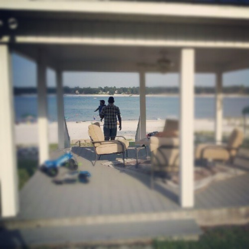 @supaq & #Sophia walking down to the #water thru the #gazebo #LakeHouse #vacation #florida  (Taken with Instagram)