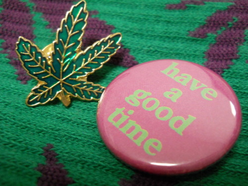 WEED BADGE #junkmania
