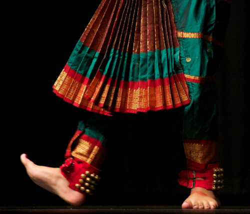 marciosza:  Bharatnatyam Dancer by jay8085 on Flickr.