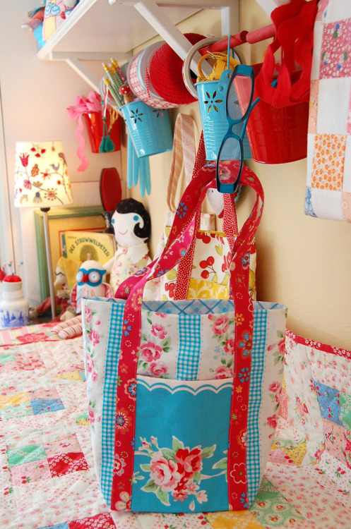 DIY quilt bags from Fat Quarter - free PDF pattern print out