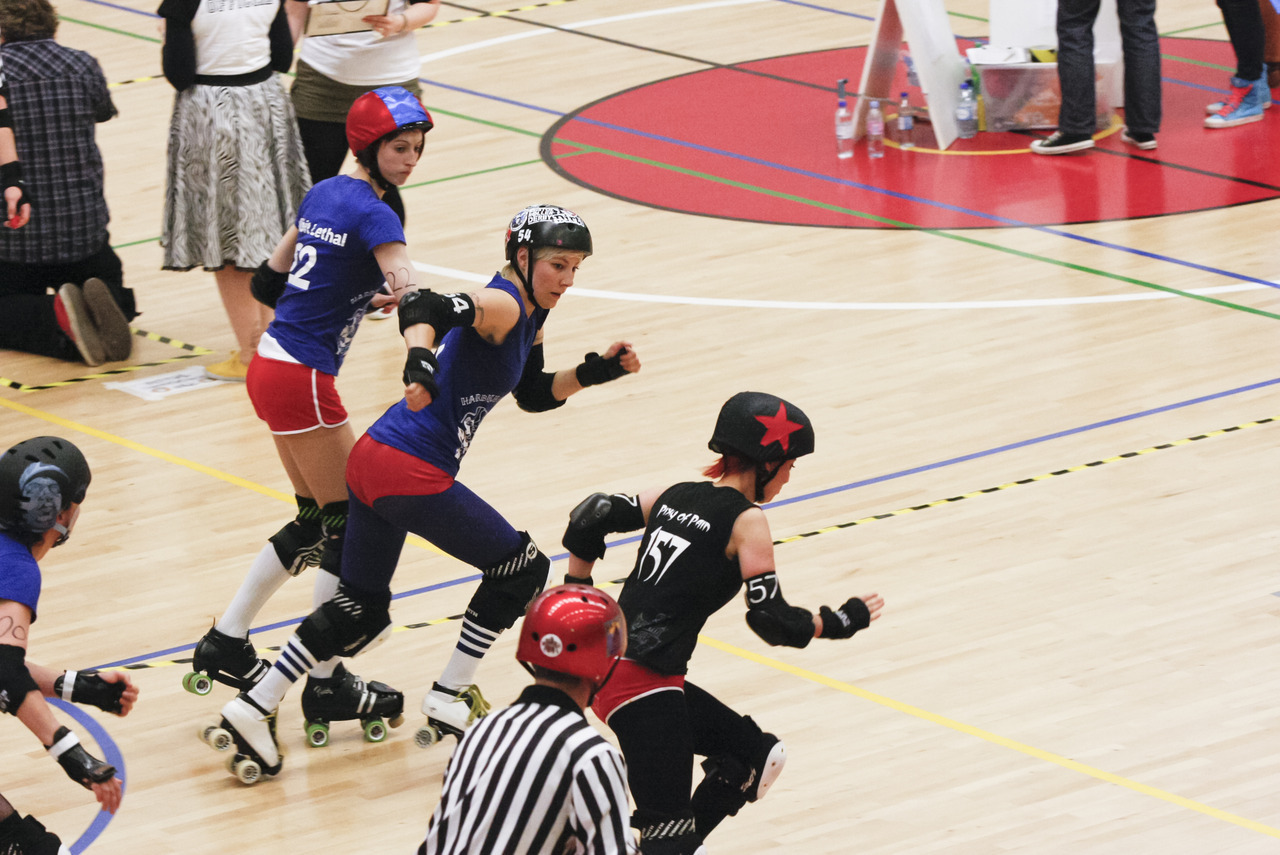 the bristol harbour harlots took on the swansea city slayers at 'grime and punishment', on the 9th of june. these are a few of my favorite photos from the day. bristol roller derby