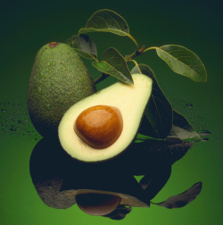 For great skin, it's all about avocado and honey. Avocado has moisturizing properties, while honey stimulates cell regeneration and also has a light antiseptic and exfoliating quality. Here's how to mix them into an amazing DIY face mask.
