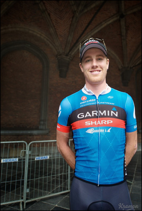 Tyler Farrar showing the brand new teamkit (by kristof ramon)