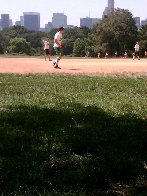 "@popstarmagazine : ""Go @nickjonas! In Central Park for the Wickets!"" @popstarmagazine  : ""Vai @nickjonas! No Central Park pelos Wickets!""   [UPDATE] Os Wickets estão ganhando de 7-0!!"