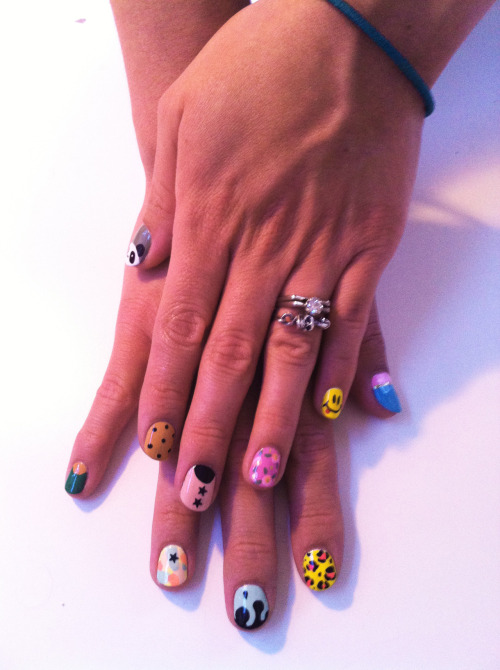 madelinepoolenails:  Stephanie Stone and @mpnails