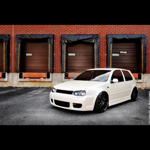 albert4l:  #vw #gti #vdubs #car #supercar #tuned #tuner #white #blaxk (Taken with Instagram)