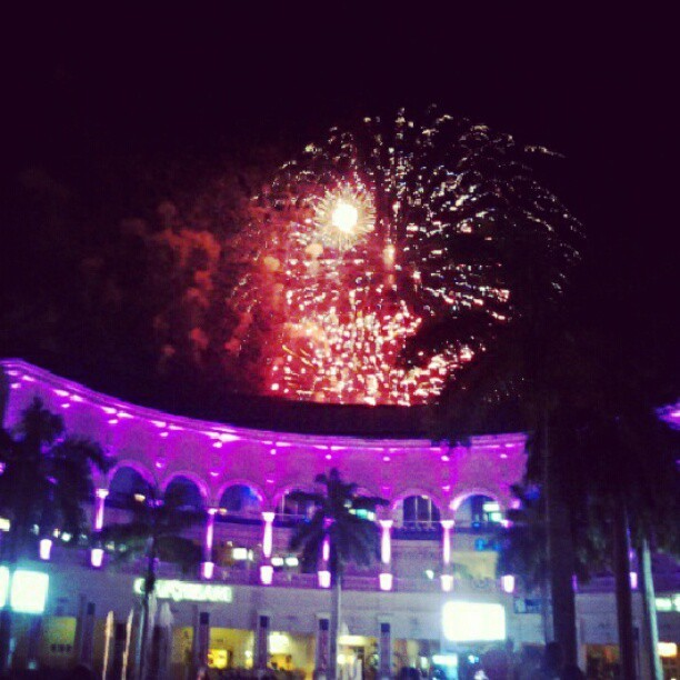 #firworks #Gulfstream #4thofJuly #Pretty #smoke #Lights  (Taken with Instagram at Gulfstream Park Racing and Casino)