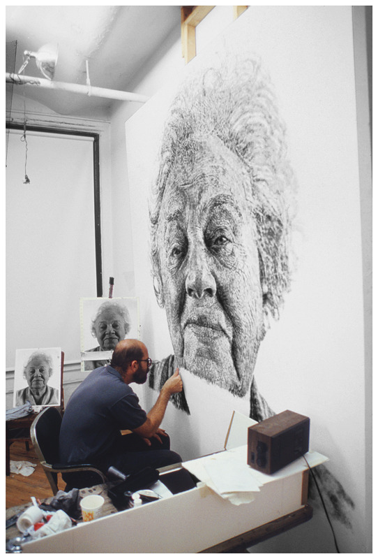 #ThrowbackThursday: Chuck Close at work on Fanny/Fingerpainting, 1985 © Chuck Close, courtesy The Pace Gallery Happy Birthday Chuck!