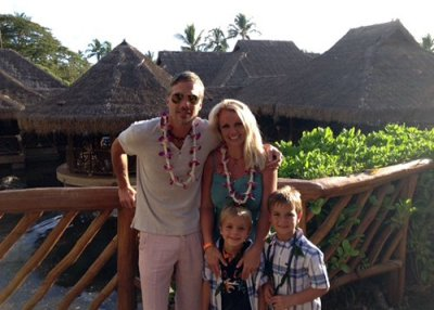 "Britney Spears posted this pic of her family fiance Jason Trawick and two sons Sean Preston and Jayden James in Hawaii on Twitter with the caption: ""Happy 4th of July from the Aloha State!"""