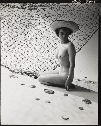 soyouthinkyoucansee:   Nude study- Young girl and fishing net, 1950 Zoltan Glass-Hungary