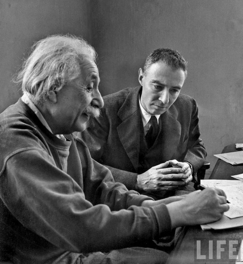 crookedindifference:  Albert Einstein and Robert Oppenheimer  Two brilliant men.