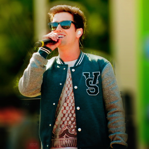 logans-v-and-dimples:  ewww look how ugly he is  He's perfect!
