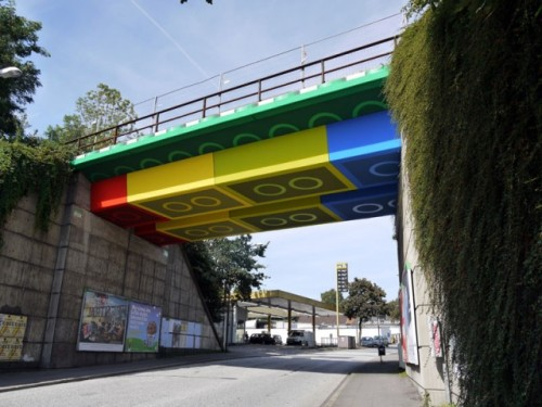 laughingsquid:  LEGO Bridge