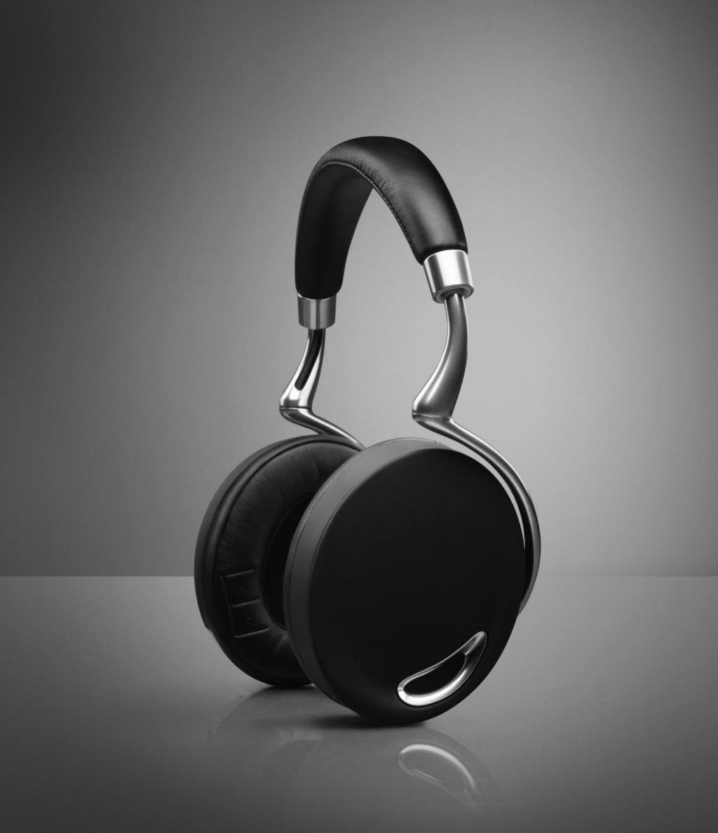 surplus-mag:  Zik Bluetooth Headphones For whatever reason, wireless Bluetooth headphones have never quite taken off, but we think that this new set from Parrot will change that. It has a sleek design, intuitive touch controls, and even knows to pause the music when you take them off your head. No information on its release date yet, but we'll be at the front of the line when it's finally available.  Zik Bluetooth Headphones, tof koptelefoontje!