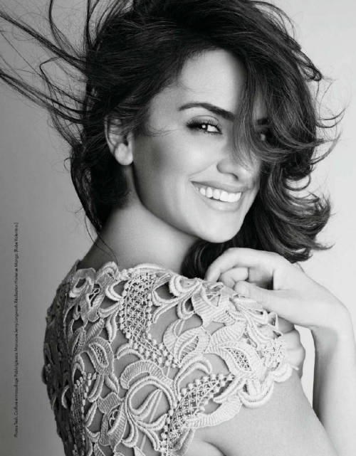 """La Cruz S'amuse"" Elle France, June 2012 photographer: Tesh Penelope Cruz // ac-z"
