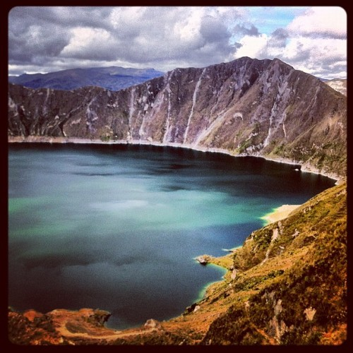 quilotoa volcano in #ecuador  (Taken with Instagram at Crater del volcán Quilotoa)